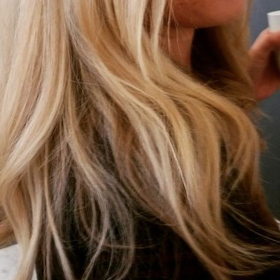 Some people have the best hair to blowout. First: shampoo well, rinse well. Condition if you choose. Comb thru, apply a heat protection and blowout like you know how... Hair Hairinspiration Blowoutoftheday
