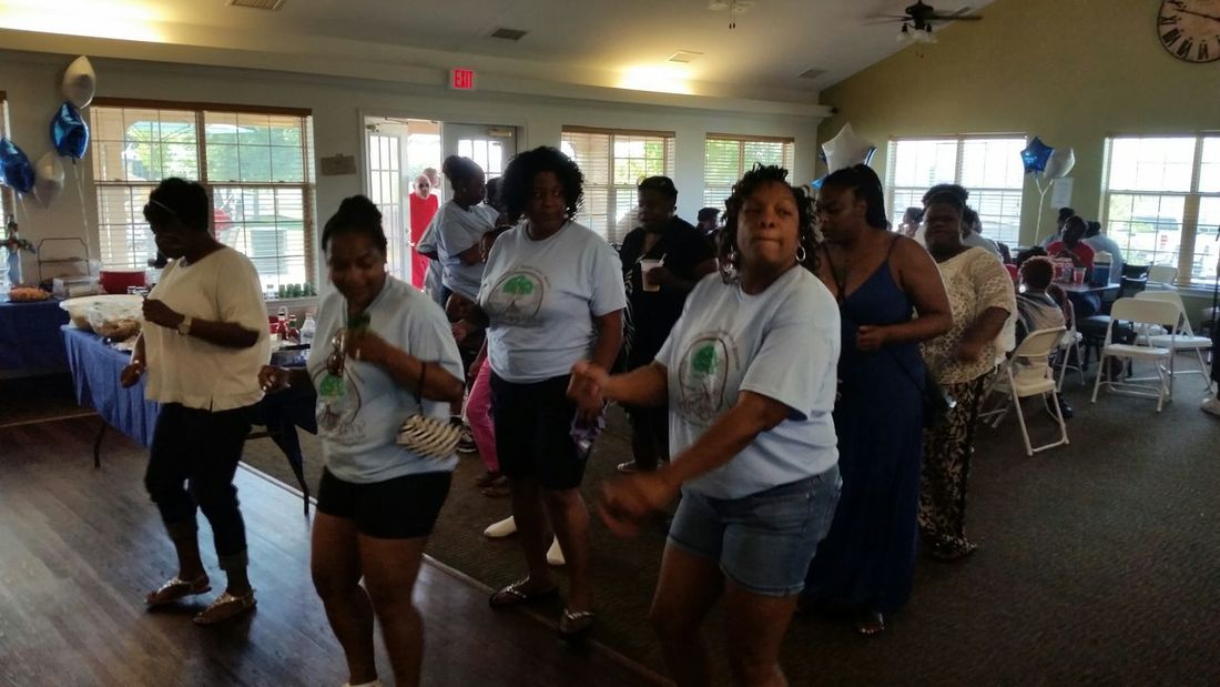 Family reunion line dancing Streamzoofamily Austin Texas Photography Enjoying Life