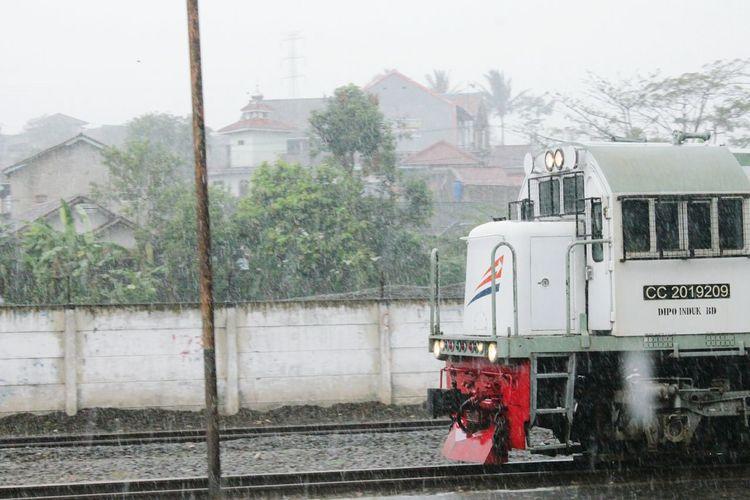 Train Train Photography Rain Train Station Indonesiantrain in Padalarang, West Java