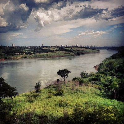 Amazing Ciudad del Este, Paraguay Ciudaddeleste Paraguay Река Парана, разделяющая Парагвай и Бразилию