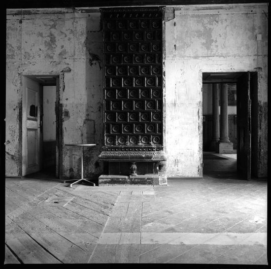 Loss Alatskivi, Estonia, Architecture Abandoned Indoors  No People Day Loss Alatskivi Old Buildings Old Castle Eesti House Estonia Mylove Filmsnotdead Analogue Photography Agfa Rollfilm EyeEm Best Shots EyeEmNewHere Sommergefühle Travel Photography Documentary Photography Walls Ilus Black And White EyeEmNewHere Your Ticket To Europe