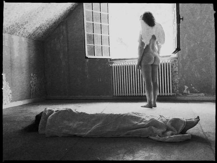 Le passage. Shootermag Surrealism NEM GoodKarma NEM BadKarma