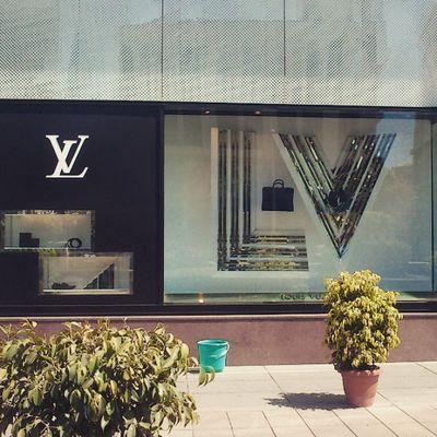 LV showroom at UBcitymall Bangalore . Instadaily Bangaloredaily Iphoneonly