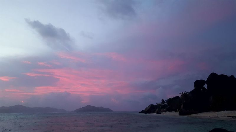 Dramatic Sky Outdoors Landscape Nature Cloud - Sky No People Scenics Sky Sunset Sea Beauty In Nature Day Seychelles Sunset Tropical Paradise La Digue Seychellesisland Horizon Over Water Beauty In Nature Travel Anse Source D'argent