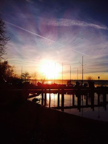 Sunset over the Lakeammer Sunshine Awesome Amazing View Clouds And Sky Nature Morning Happiness Sunrise