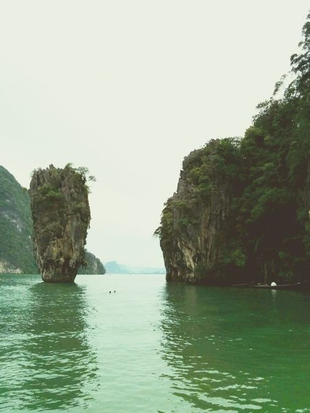Taking Photos Traveling Island Thailand too many tourists but really awesome environment