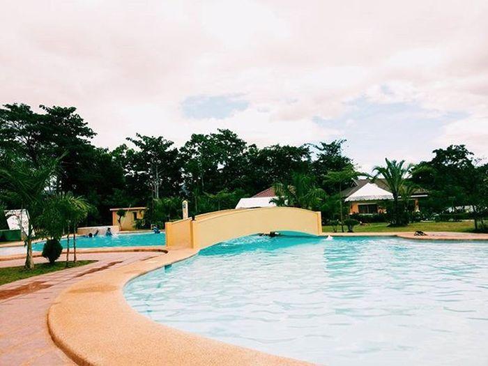 Exploring Mabinay! Loving the pool thou 😍😍😍 Earlier