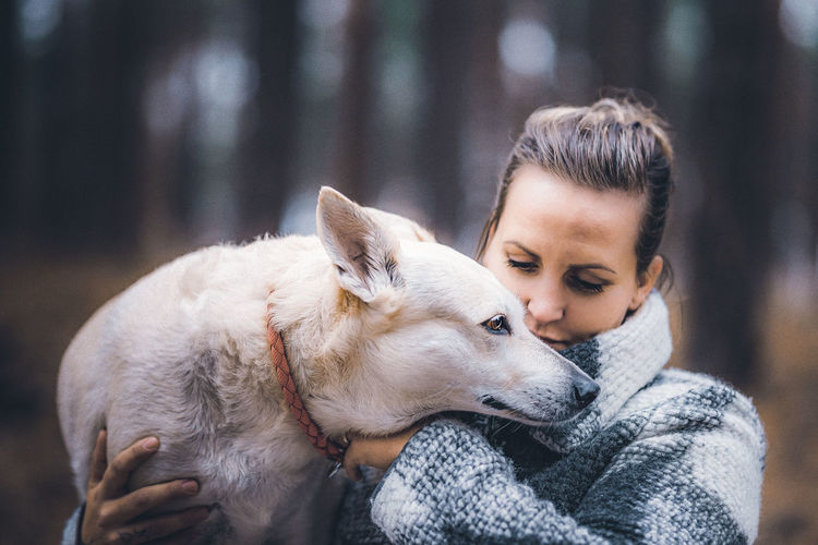 Mammal Pets Domestic Domestic Animals Canine One Animal Dog One Person Love Focus On Foreground Real People Emotion Positive Emotion Vertebrate Friendship Headshot Teenager Pet Owner Care Portrait Sigma Sigma85mmart Hunde Portrait Photography Portraits Of EyeEm International Women's Day 2019