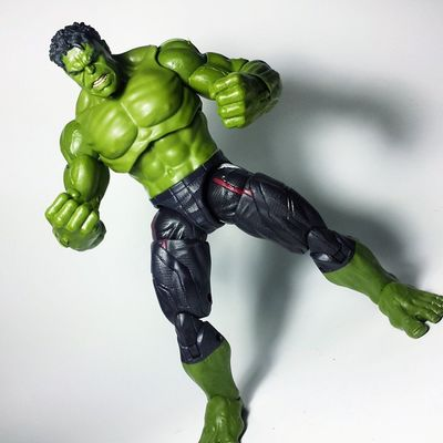 For my first Marvel Legends Hulk, he's pretty amazing! Honestly, my favorite from the wave. Hulk IncredibleHulk Hulksmash Thehulk BruceBanner Avengers AgeOfUltron Marvel Marvellegends Marvelcomics Marvelnation MarvelFan Toyfan Actionfigure Toys Toyphotography Toypizza Toysarehellasick Toycollector Toycommunity Toycollection Marveluniverse Mcu