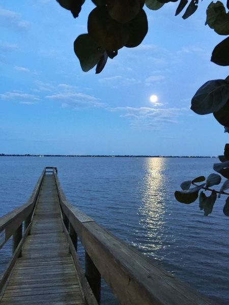 Learn & Shoot: Balancing Elements Dock on the Indian River & full moon Melbourne Melbourne Florida Indian River Indian River Lagoon Full Moon Full Moon 🌕 Fullmoon Moon Light Moonlight