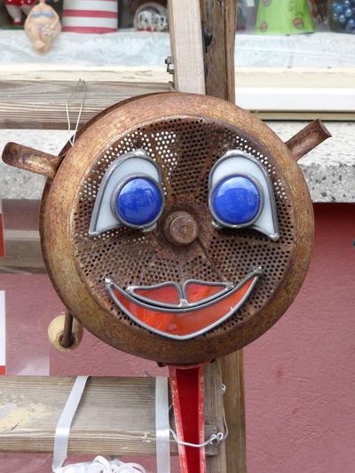 ein hübsches Lächeln Art Day Handmade No People Outdoors Rebuild To Renew