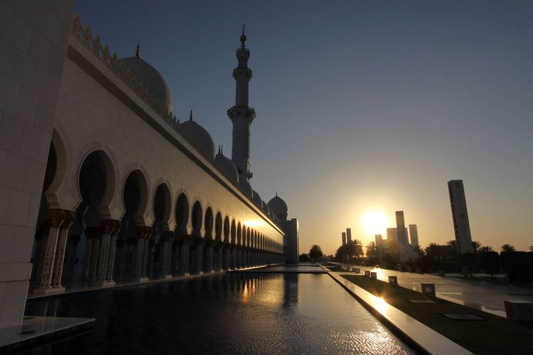 Abu Dhabi Sheikh Zayed Grand Mosque Architecture Building Exterior Built Structure City Day No People Outdoors Sky Sunset Travel Destinations Water