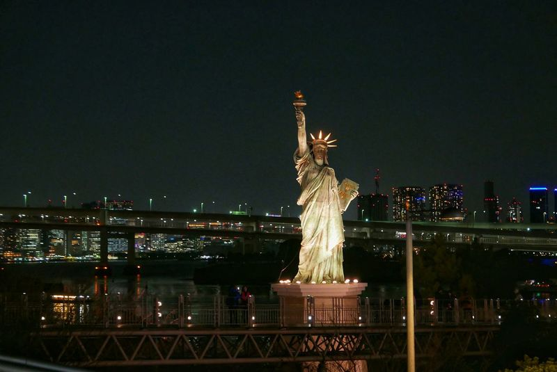 Japan Photos Tokyo Statue Of Liberty Night Lights Night View Sightseeing Landscape Cityscapes Taking Photos Nightphotography Showcase March Streamzoofamily Ultimate Japan