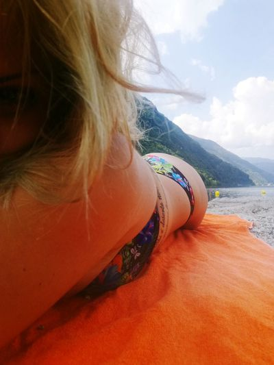 One Person Only Women One Woman Only Adult Adults Only Human Body Part People Women Young Women Young Adult Day Close-up Nature Mountain Water Outdoors Italia Tranquility Photography Themes Reflection Beauty In Nature Italy🇮🇹 Silhouette Scenics Dramatic Sky