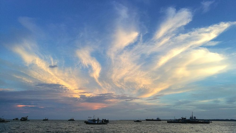 Tawau Sabah Seaview Seaside Beautiful Cloud Blue Sky Sunset Silhouette Ship Sea Great Sky