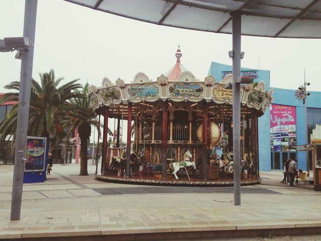 Carroussel Montpellier 2013 Enfance Jour De Pluie