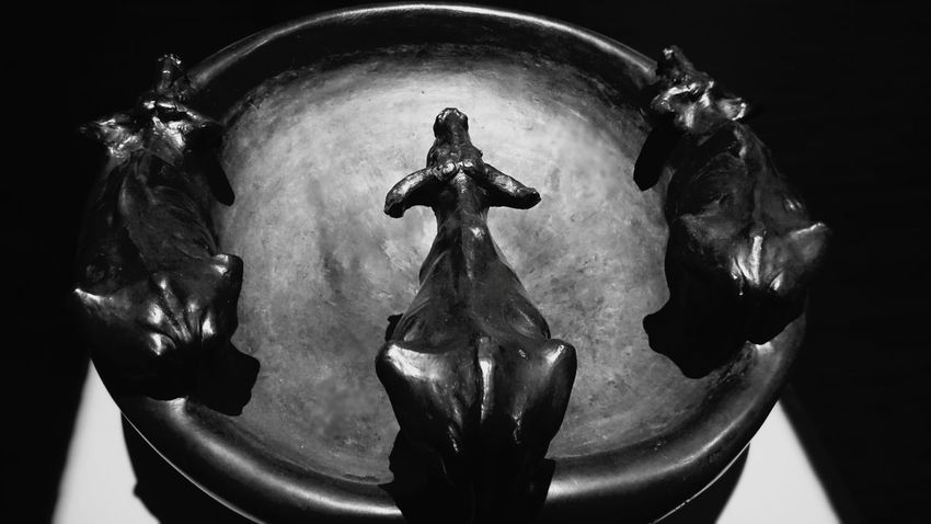 Sculpture Cows Vase Statue Light And Shadow Open Edits EyeEm Best Shots Photography Feeling Creative Taking Photos Italian Work Of Art Italian Sculpture 1900's Art Shadows No People Italian Art Black And White Monochrome Photography Monochromatic
