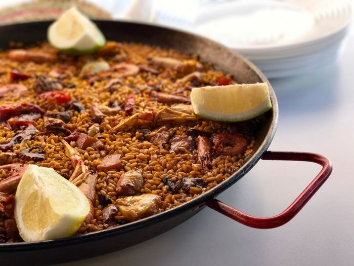 Sorry chef Oliver, but this is the real paella!!! 😉🥘 Freshness Healthy Eating The Real Paella Spanish Gastronomy