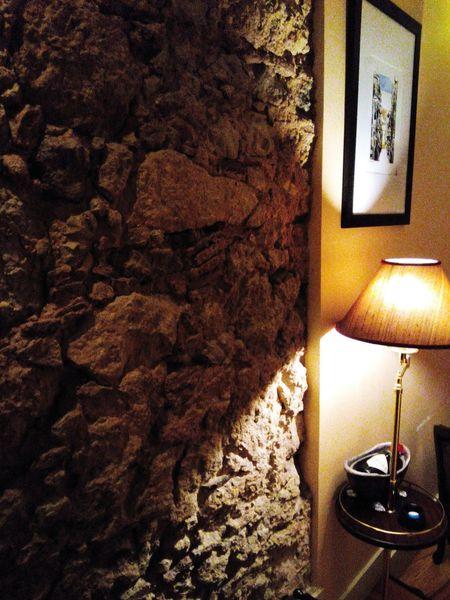 Sala Livingroom Lamp Walls Wall Rock Rockwall Mediumligth Mood Stay