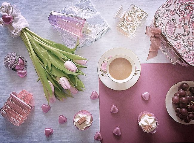Pastel Power Tulips🌷 Flowers Flowerporn Pastel Colors Pastel Flower Collection Pink Preety Flower Perfumes Perfumecollection Chocolates Hot Tea Cup Of Tea Mothersdaysoon Mothersday 2016 Perfume Chocolate♡ Elegant Style Elegance And Class Sophistication Cupcakes