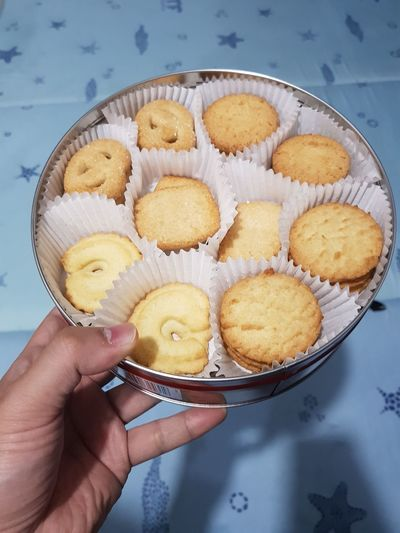 cookies anyone??? Danish Danish Cookies Human Hand Apple Pie Baking Pan Tart - Dessert Cupcake Dessert Homemade Holding Studio Shot Cake Cupcake Holder Cookie