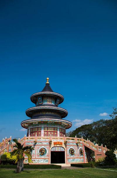 Wat Thawornwararam, Kanchanaburi, Thailand วัดถาวรวราราม Architecture Building Exterior Clear Sky Dome Kanchanaburi No People Outdoors Place Of Worship Religion Spirituality วัดถาวรวราราม