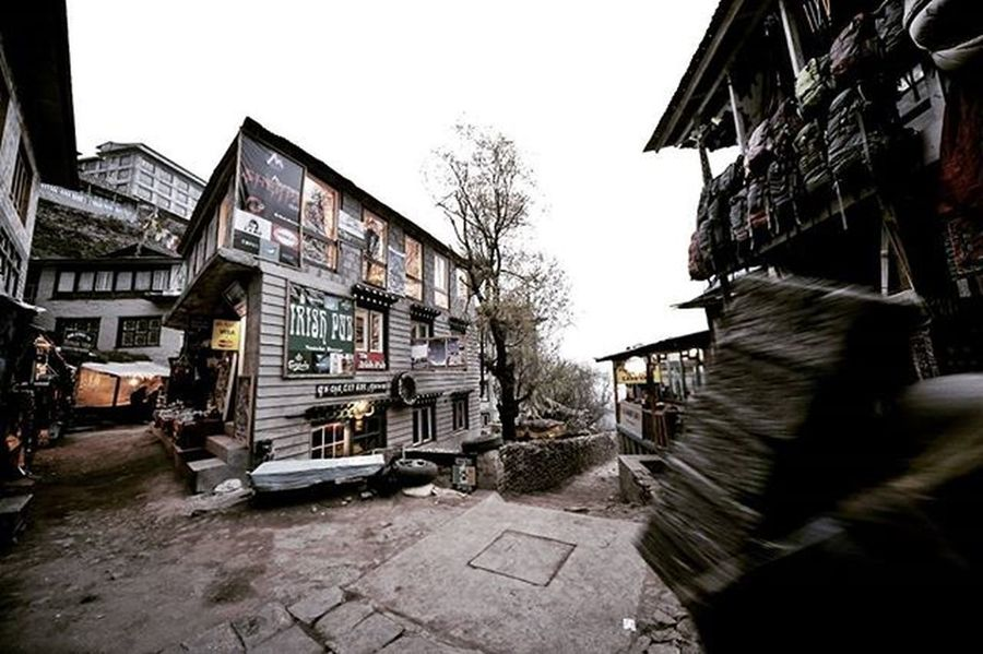 Irish Pub and the main alley of Namche Bazaar. If you come from Lukla and hike to EBC you will pass this alley and if you thirst calling stop at your right then, Irish Pub will make you dance... Namche Bazaar 3440 m. Nepal Himalaya Namchebazaar MyGHT Dktm Meistershots Theglobewanderer CreateExplore Illgrammers Moodygrams Urbanandstreet Artofvisuals AOV Createcommune Agameoftones Wayzill Igshotz_mag Soft_vision Igshotz_folk ExploringGlobe Alldayexploring Travel2next 30xthirty Zerogrid Myfeatureshoot worlderlust worldtravelpics modernoutdoorsman exploretocreate