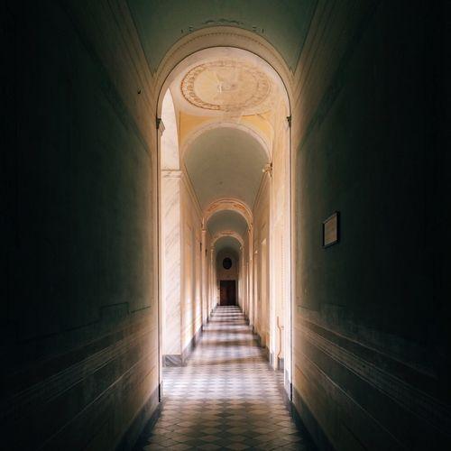 The secret hallway NEM VSCO Submissions AMPt - Vanishing Point NEM Submissions