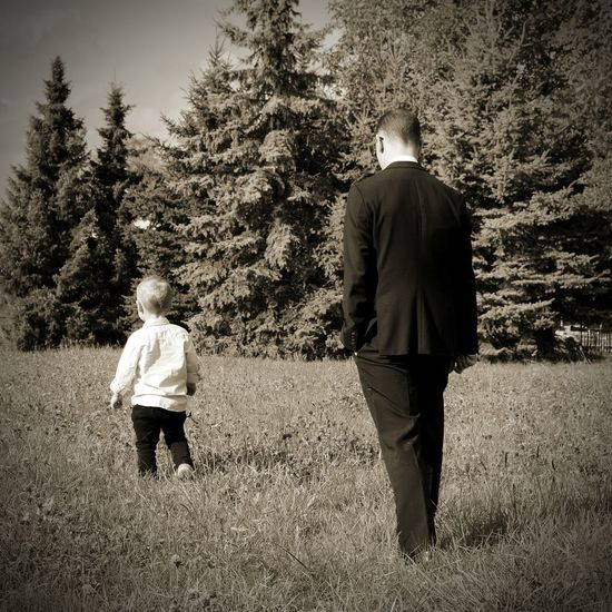 Rear View Full Length Two People Grass Outdoors Togetherness People Day Adult Father & Son Kid Kiddo Family Portrait Family Time Worthit Love The Portraitist - 2017 EyeEm Awards