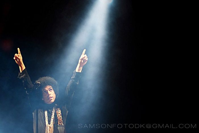 Prince - My shot of his final pose ending a concert at SmukFest, Denmark ::: Concert Music Stage - Performance Space Prince  Performance Concert Photography Npg Funky Cool Pose EyeEm Best Shots Shootermag Musician Denmark The Photojournalist - 2017 EyeEm Awards