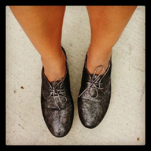 I love the fall so I can bust out my Oxfords ! BCBG Shoes Metalic fall