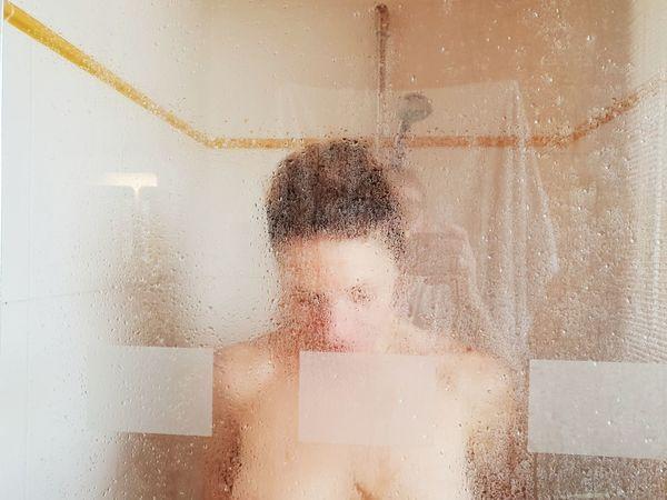 Human Body Part Portrait Of A Woman Beautiful Woman Woman Who Inspire You Show Her Shower Sensual_woman Nude-Art Cyberspace Water Technology Internet Modern Data Communication Condensation Drop Water Drop Droplet Splashing Droplet Transparent Dissolving