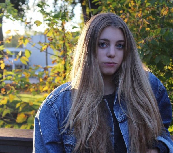 Margherita Long Hair Blond Hair One Person Front View Ragazza Bionda Portrait Tree People Outdoors Young Adult Day Shooting Looking At Camera Bella Pomeriggio Margherita Young Women Beautiful Woman Foto Nature One Young Woman Only Adult Adults Only Fotografia -CM