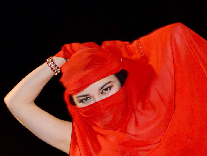 Travelling Travel Bellydance Incognito Red Dance Portrait Woman Dubai UAE , Dubai Belly dance in desert camp