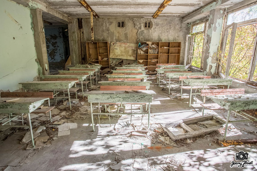 Abandoned No People Built Structure Indoors  Architecture Urbanexploring Lostplaces Lost Tschernobyl School Abandoned Places Abandoned Buildings Plaidl Adventure Adventures Likeforlike Travel Traveling Travelaroundtheworld