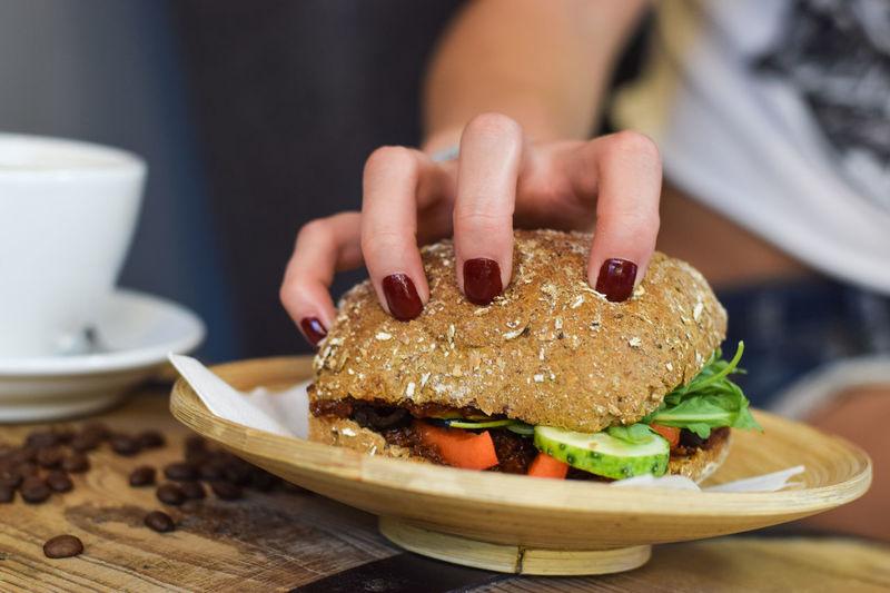 Sandwich Food And Drink Sandwiches Grab Sandwich Eating Sandwich Food Eating Kanapka Fast Food Eating Out Table Lunch Dinner Food And Drink Grab Food To Eat Ready-to-eat Burger Hamburger Temptation Fresh Sandwich Jesc Jedzenie