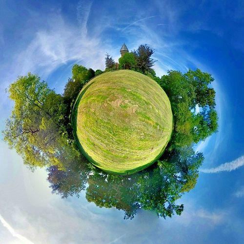 Photosphere der BurgLinn und dem Burg Park aufgenommen mit dem LGG3 und der Stock Kamera App von Android. photooftheday tinyplanet tinyworld rollworld stereographic castle Krefeld KrefeldLinn Linn LinnerBurg