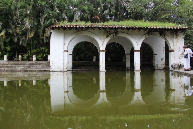 Cityscape Mexico Architecture Cuernavaca Building Exterior Lake Water Reflections