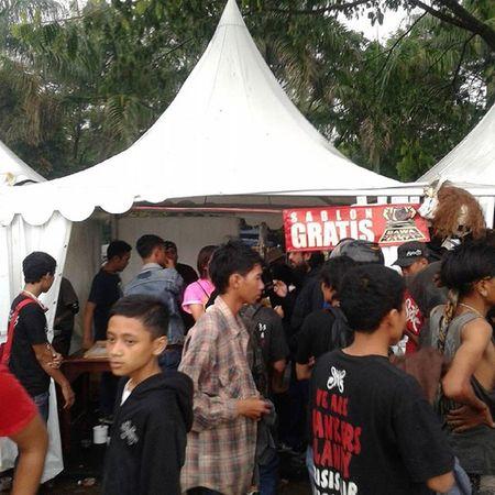 Workahop sablon dan sablon gratis @theuncorrupted 😋 Workshopsablon Sablongratis Janganlupabawabajupolosnya Theuncorrupted2015 Tegalega Bandung
