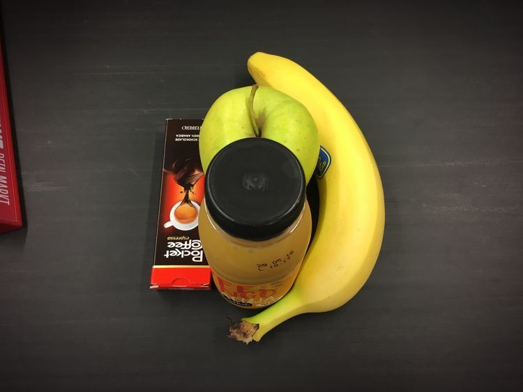 Frühstück Smoothie Kassenzone Supermarket Buying Pocket Coffee  Healthy Eating Apple Breakfast Bananas