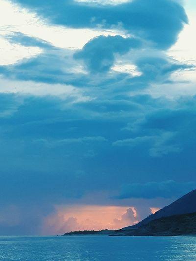 cloudy horizon over sea Water Mountain Sea Oil Pump Beach Sunset Sky Landscape Cloud - Sky Refraction Horizon Over Water Calm Seascape Wave Coastline Shore Crashing Coast Rocky Coastline Spectrum The Great Outdoors - 2018 EyeEm Awards
