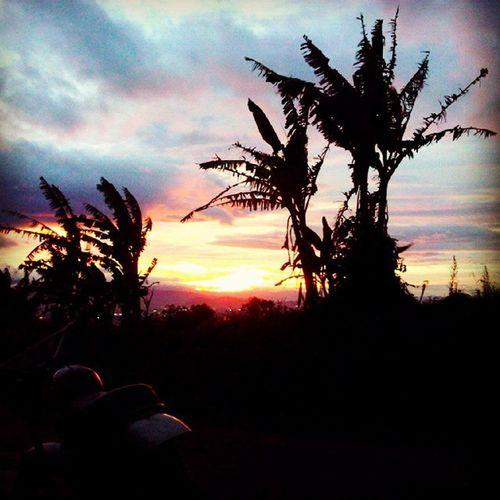 selamat sore Jingga Sunrise_and_sunsets SORE Bandung INDONESIA Photooftheday Photophone  Lzybstrd Pocketphotography