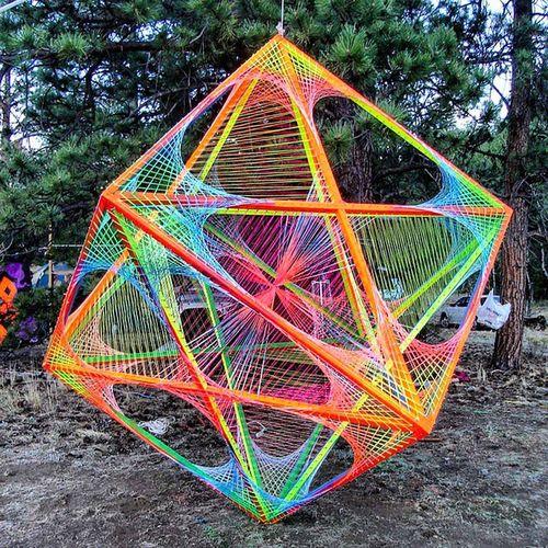 Halcyon on and on Metatronscube Stringart Psychedelic Lsdtrip LSD Burningman Apogaea