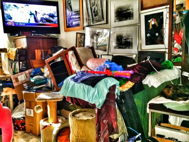 Interior Views everyone wants the pretty clean room well no not this house Taking Photos Enjoying Life Ocean Beach San Diego Ca Pastel Power Special Effects Room Decor Livingroom Decor Livingroom Concert Livingroom Ill Get Around To It