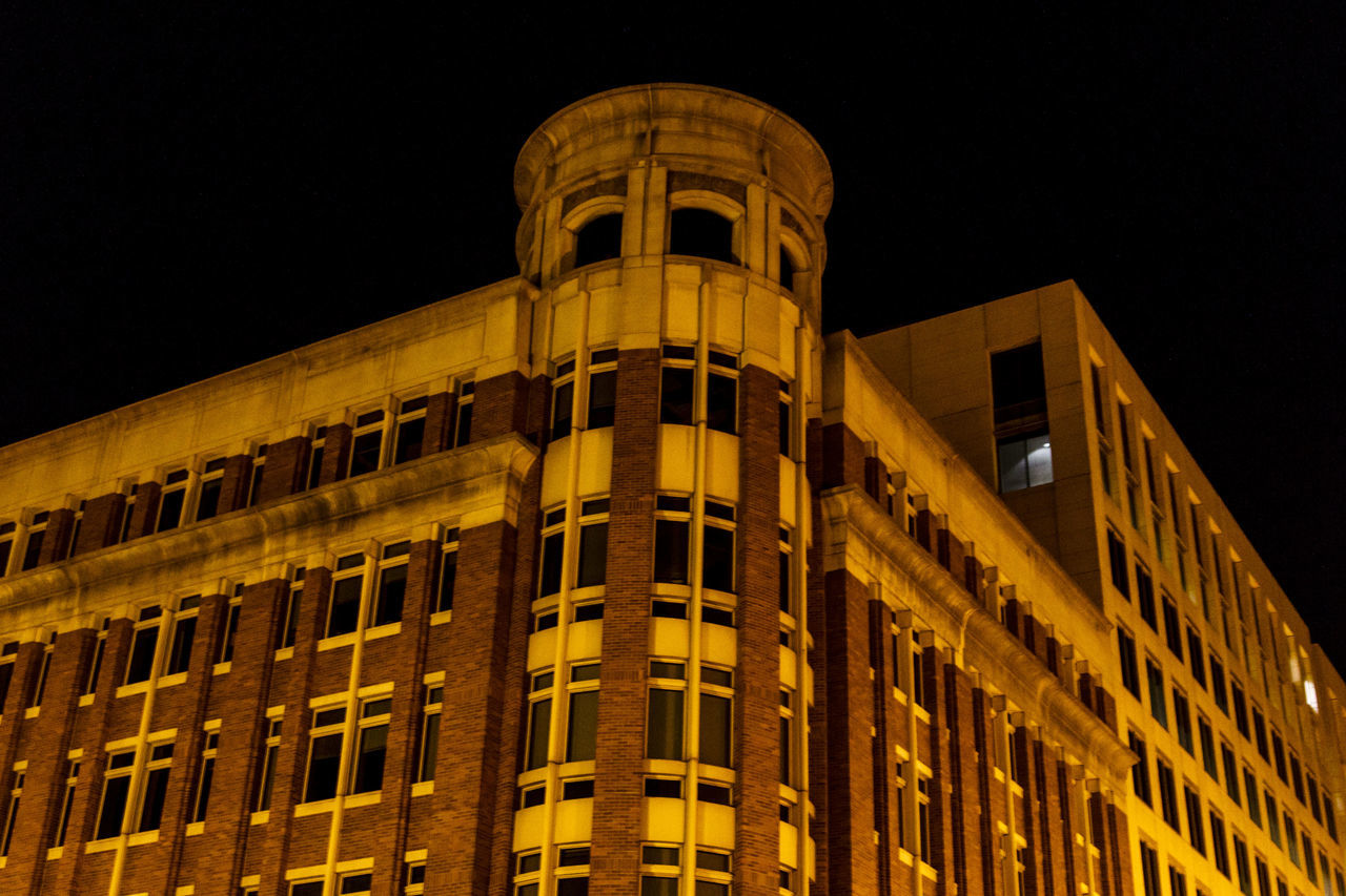architecture, night, building exterior, built structure, illuminated, low angle view, no people, outdoors, city, sky