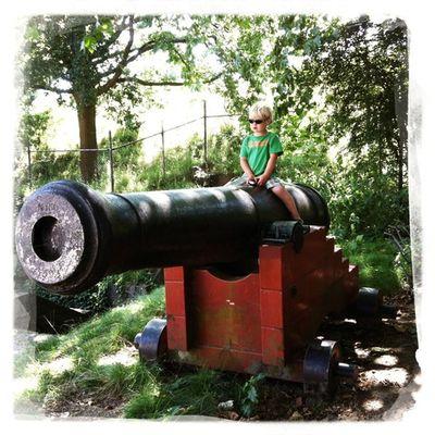 In Naarden is het zo rustig, je kan hier een kanon afschieten :-) Hipstamatic Jane Dreamcanvas