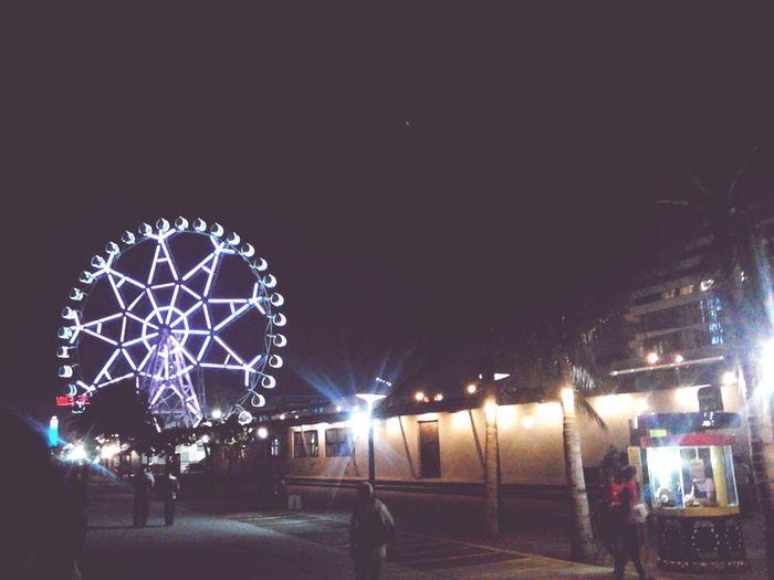Capture every moment. 😄 SMMoaArena Ferris Wheel Seaside