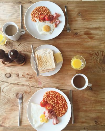 English breakfast 🍴 Breakfast English Breakfast Bacon! Bacon Eggs Eggs... Fry Up Overhead View Overhead Perspective Overhead Taken From Above Food Foodporn Foodphotography Food And Drink Orange Orange Juice  Toast🍞 Hello World Hanging Out Relaxing ShareTheMeal