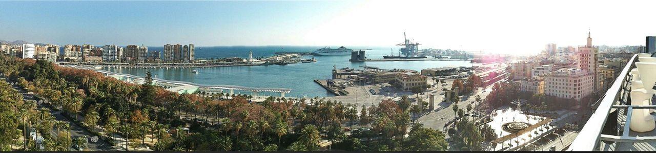 Malaga Cityscapes GetYourGuide Cityscapes Harbour fotografía tomada con un Sony Xperia U a pulso