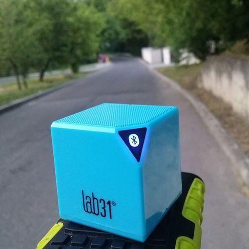 Lab31 Lab Poland Polska Holland Tesco  Marcel Głośnik Bluetooth Soundbar Speaker Blue Road Walk With Speakers Sound